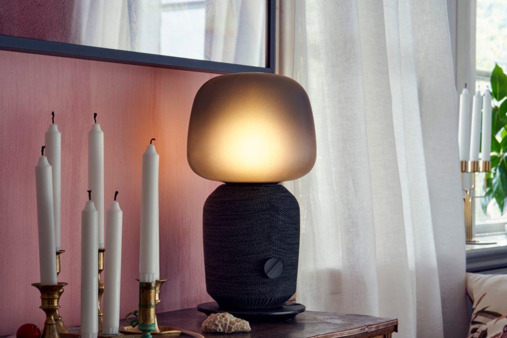 IKEA SYMFONISK bordslampa med WiFi-bokhyllehögtalare