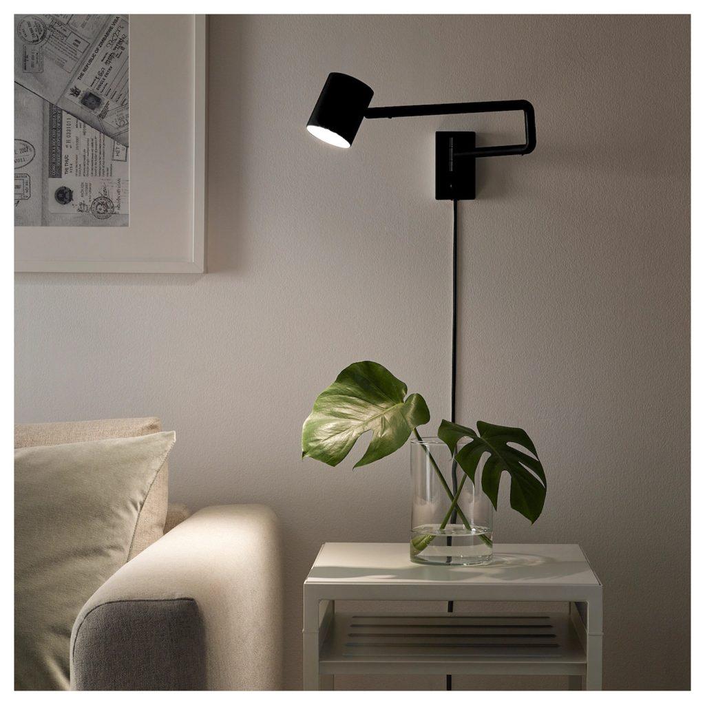 Nymåne, lampa med svängbar arm från IKEA, interiörbild,